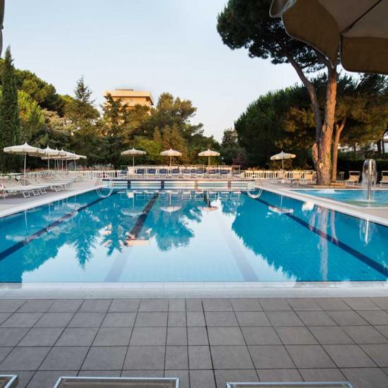 hotel-marinetta-piscine-01